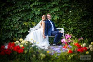 plener ślubny w ogrodzie w wilanowie
