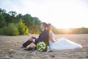 plener ślubny w warszawie na plaży
